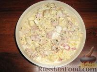 """Фото к рецепту: Салат с сухариками """"Необычный"""""""