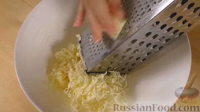 Фото приготовления рецепта: Сельдь, тушенная в чае (в духовке) - шаг №9