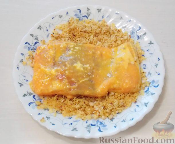 Фото приготовления рецепта: Закрытый слоёный пирог с курицей и луком-пореем - шаг №6