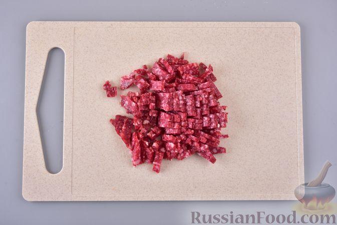 Фото приготовления рецепта: Скумбрия, запечённая с морковью и луком (в рукаве) - шаг №3