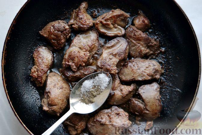 Фото приготовления рецепта: Куриные тефтели, запечённые с гречкой - шаг №5