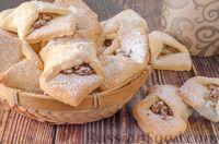 Фото к рецепту: Песочное печенье с яблоками и орехами