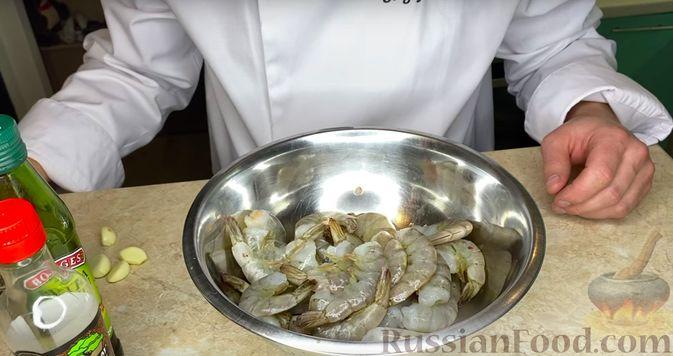Фото приготовления рецепта: Куриный суп с картофелем и луково-мучной заправкой - шаг №11