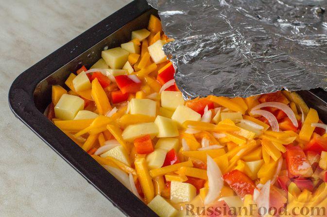Фото приготовления рецепта: Чипсы из лаваша (на сковороде) - шаг №3