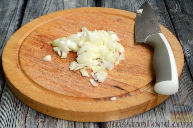 Фото приготовления рецепта: Фасоль с луком, чесноком и перцем чили - шаг №8