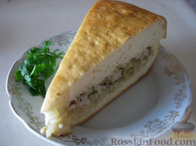 Рецепт Пирог из сырой рыбы с луком и рисом