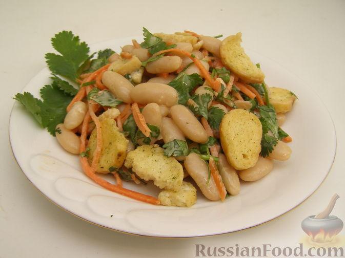 Рецепт Быстрый салат с фасолью и кинзой