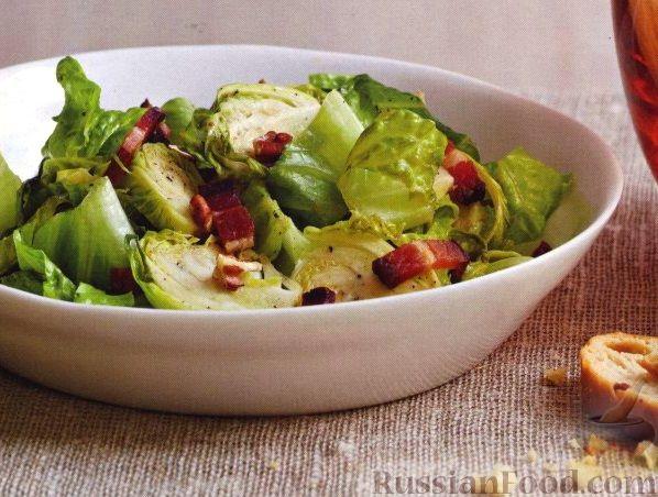 Рецепт Салат из брюссельской капусты с беконом и орехами