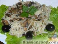 Фото приготовления рецепта: Макароны с грибами - шаг №7