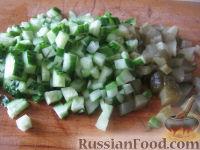 """Фото приготовления рецепта: Салат """"Столичный"""" - шаг №5"""