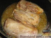 Фото приготовления рецепта: Свиная рулька (голень) в пиве - шаг №4