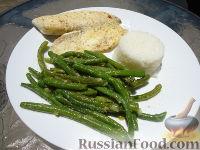 Фото к рецепту: Тилапия с зеленой фасолью и рисом