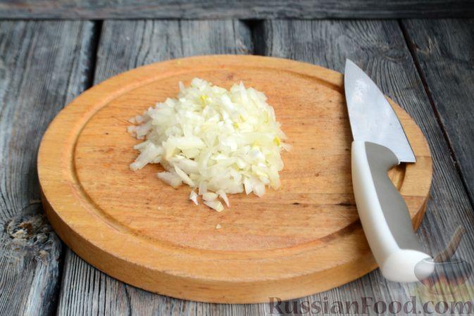 Фото приготовления рецепта: Запечённые мясные фрикадельки, тушенные в вишнёвом соусе - шаг №2