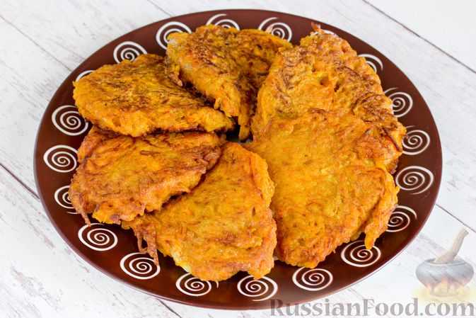 Фото приготовления рецепта: Медовое песочное печенье с грецкими орехами - шаг №10