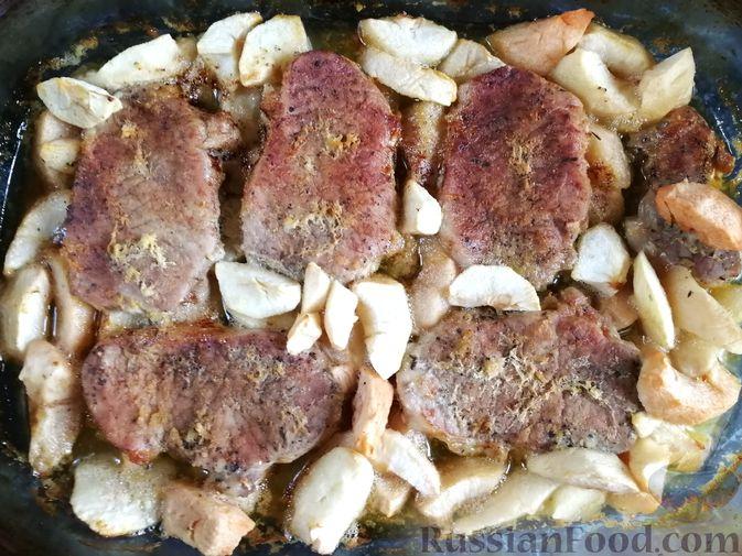Фото приготовления рецепта: Рисовый суп с капустой и сыром - шаг №7