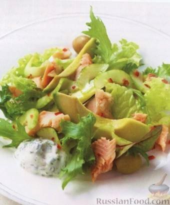 Рецепт Салат из копченой форели с огурцом и мятой