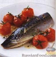 Фото к рецепту: Скумбрия с чесноком и помидорами
