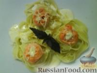 """Фото к рецепту: Паста феттучини с лососем и соусом """"Альфредо"""""""