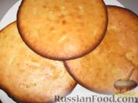 """Фото приготовления рецепта: Торт """"Если пропадает кефир"""" - шаг №3"""