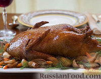Фото к рецепту: Жареная утка с тимьяном, чесноком и фенхелем