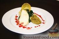 Фото к рецепту: Филе чилийского си-баса со шпинатом и гранулированным пюре из фенхеля
