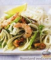 Фото к рецепту: Салат из морепродуктов и фенхеля