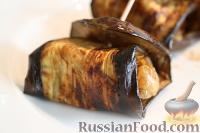 Фото к рецепту: Рулетики из баклажанов