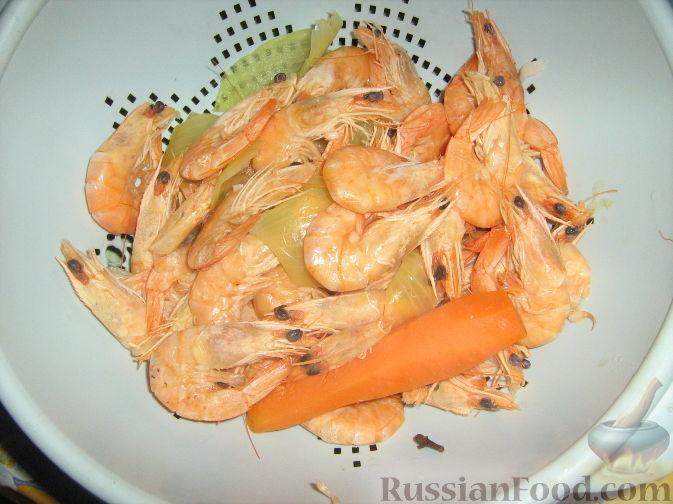 Фото приготовления рецепта: Креветки с красной смородиной - шаг №2