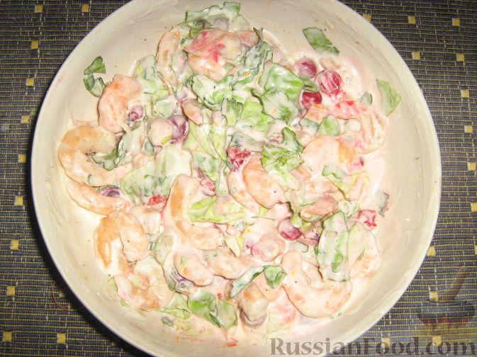 Фото приготовления рецепта: Креветки с красной смородиной - шаг №7