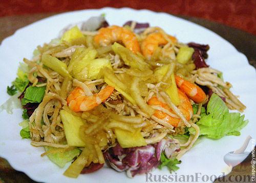 Рецепт Тайский салат с ананасом, креветками и индейкой