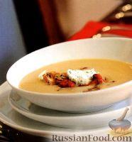 Фото к рецепту: Фасолевый суп-пюре с грибами и сливочным соусом