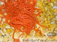 """Фото приготовления рецепта: Простой салат с курицей """"Квочка"""" - шаг №9"""