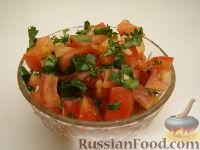 Фото к рецепту: Салат с помидорами и кинзой