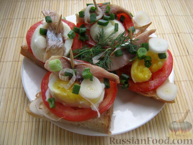 Рецепт Бутерброды с сельдью и яйцом