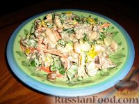 Фото к рецепту: Салат с языком, опятами и овощами по-корейски