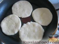 Фото приготовления рецепта: Хлебные лепешки - шаг №6