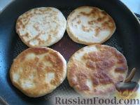 Фото приготовления рецепта: Хлебные лепешки - шаг №7