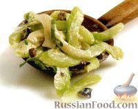Фото к рецепту: Салат из сельдерея и фенхеля