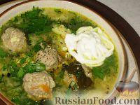 Фото к рецепту: Зеленый борщ с фрикадельками