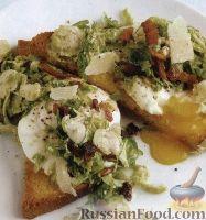 Фото к рецепту: Бутерброды с яйцами-пашот и брюссельской капустой