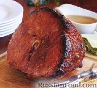 Фото к рецепту: Ветчина под вишневой глазурью