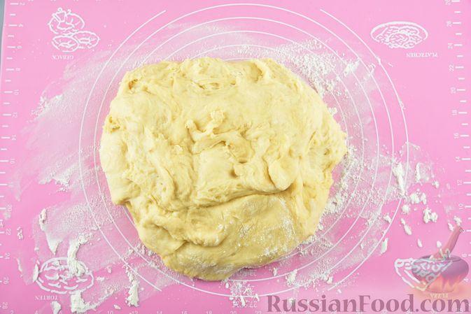 Фото приготовления рецепта: Пюре из перловой крупы и картофеля, с жареным луком - шаг №4