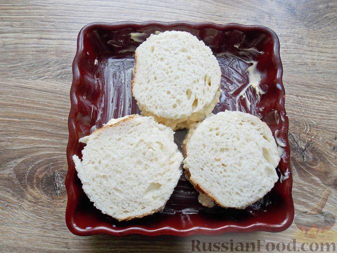 Фото приготовления рецепта: Щи из квашеной капусты с беконом, грибами и томатной пастой - шаг №14