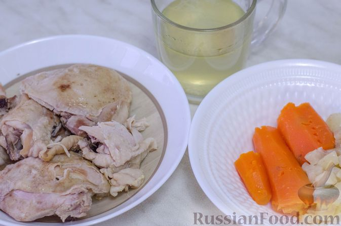 Фото приготовления рецепта: Намазка для бутербродов, из курицы с морковью и плавленым сыром - шаг №5