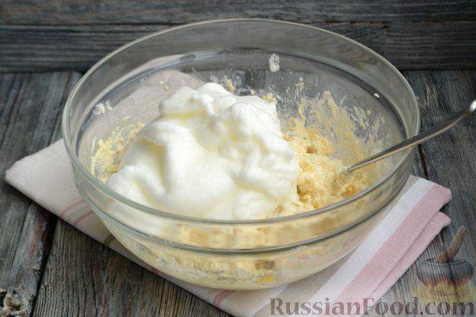 Фото приготовления рецепта: Творожная запеканка без сахара и муки - шаг №6