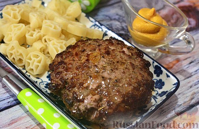 Фото приготовления рецепта: Закрытый пирог из песочного теста с капустной начинкой - шаг №18