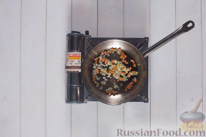 Фото приготовления рецепта: Грибной суп с клецками - шаг №6