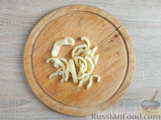 Фото приготовления рецепта: Куриное филе, запечённое с овощами - шаг №5