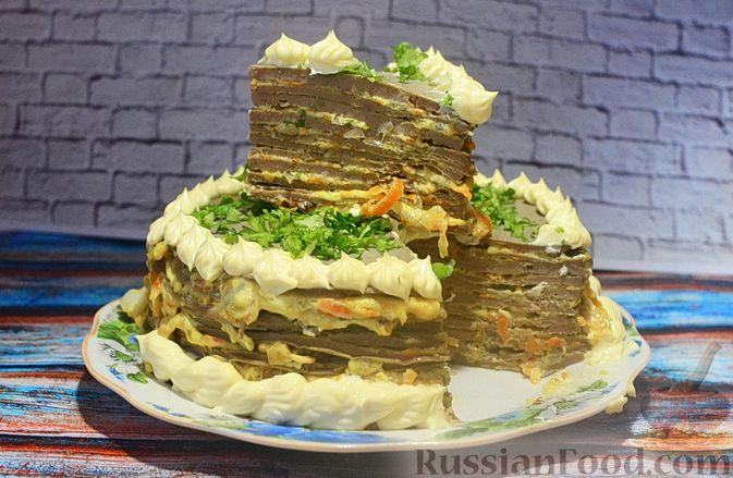 Фото приготовления рецепта: Печёночный торт с морковью и орехами - шаг №22