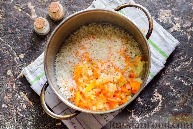 Фото приготовления рецепта: Рисовый суп со сливками, куриным филе и шпинатом - шаг №5